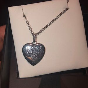 "Gucci ""Blind for love"" Necklace"